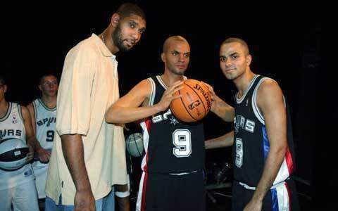 NBA球星蜡像长啥样?库里忍了,安东尼忍了,看到姚明实在忍不了