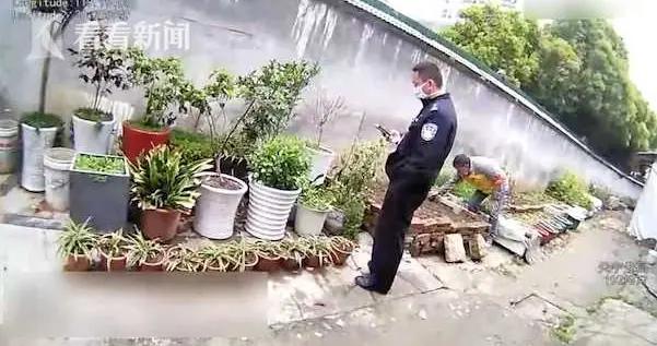 """收到邻居送的""""礼物""""却让73岁无知老伯被抓了"""