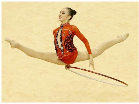 最美体操女神刘佳慧,退役后继续大学深造,我被她毕业照惊艳到了