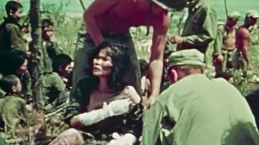 冲绳岛战役,战地摄像机捕捉到战争的恐怖,死亡气息弥漫整个岛屿