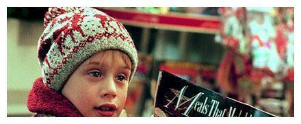 《小鬼当家2》过去27年了,主演辨认不出,跑龙套却当上总统