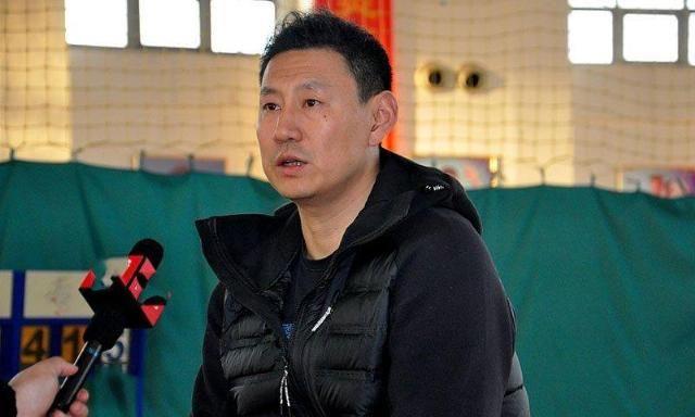 中国男篮最新大名单曝光!李楠班底7人惨遭抛弃,杜锋重用4大天才