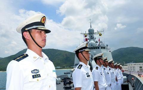 1988年授予的海军中将都有谁?他们都什么职务?谁成就大