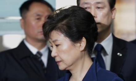 韩国选举,文在寅和李洛渊大胜,黄教安辞职,朴槿惠该咋办?