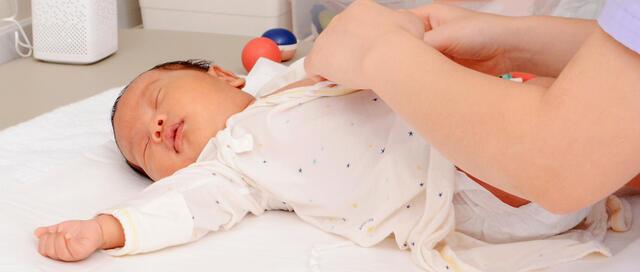 新生儿出院后的一周,脐部护理是关键,注意勤观察科学护理