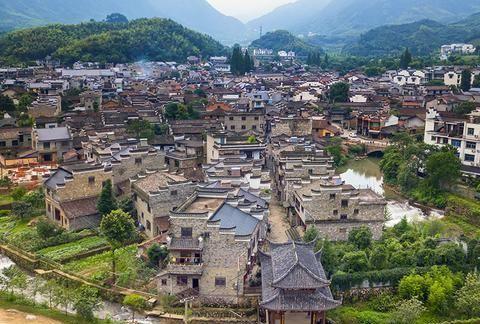 """浙江衢州深山""""廿八都古镇"""",古镇名字的第一个字,你能念对么"""