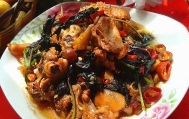 精选美食:丝瓜蛋汤,茄子肉,紫苏烧鸭,生焖烧椒鸡