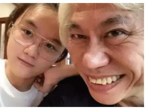 当年嫁给57岁大爷。扬言不后悔的17岁林靖恩。如今过得怎样