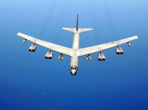 B52轰炸机撤出关岛是战略撤退?专家:事实上,它变得更危险了