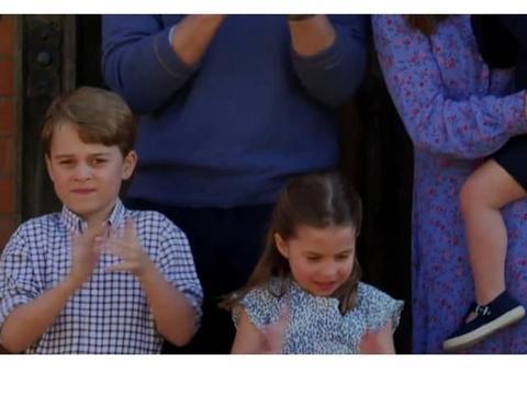 凯特一家全新视频曝光:乔治又来搞笑表情包
