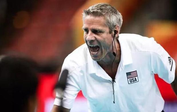 美国女排主帅基拉里放出豪言,东京奥运,我们的目标是要夺冠!