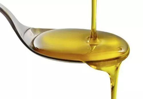 油盐酱醋茶糖酒,这七种调料,给小宝辅食中,需要添加哪一种?