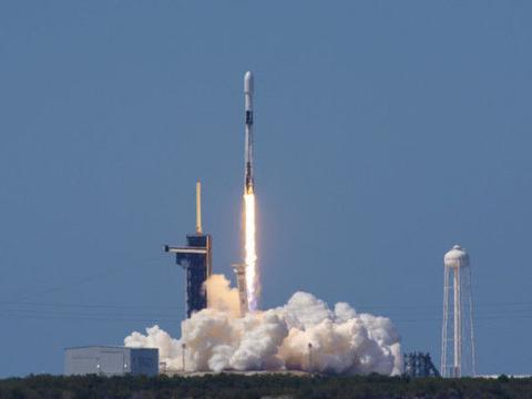 一箭60星再次成功!SpaceX宣布找到5G弱点,范登堡基地一片欢呼