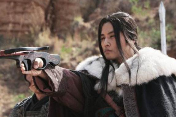 昔日韩流天王罕晒娃,因逃兵役被禁回国18年,今为成龙御用男配?