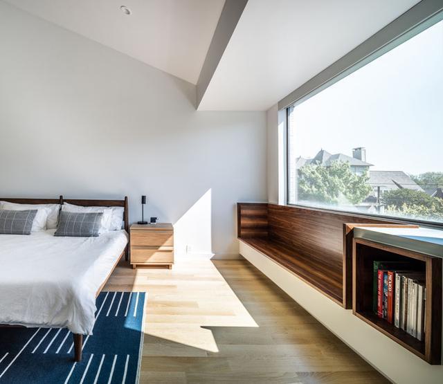充满创意的家具设计表面上是楼梯实际上也是储物柜