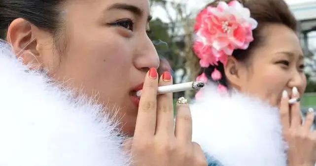 比抽烟喝酒还容易让人上瘾的4种美食,虽然能过嘴瘾,但危害性大