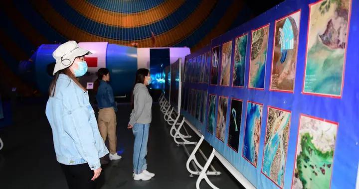 木刻画里东风航天城那些经典的画面