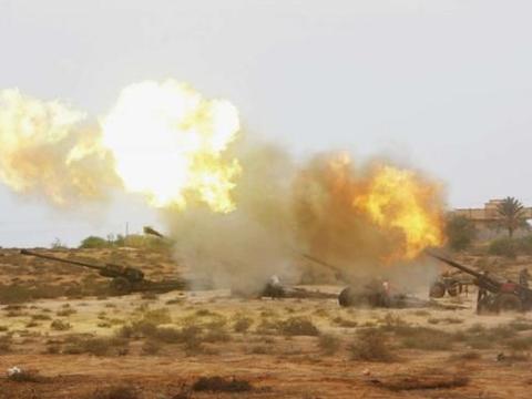 中国制导炮弹扬威北非:直接从屋顶钻入爆炸