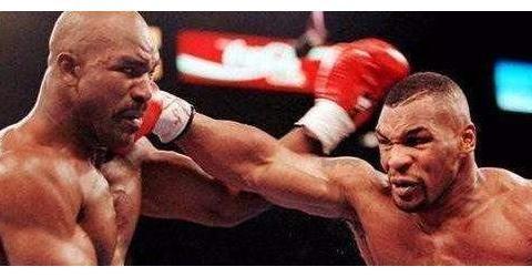 两位世纪拳王的较量,阿里和泰森究竟谁更强?刘易斯说出答案!