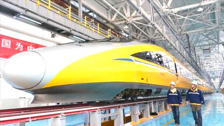 20亿造世界先进高铁系统,新京张铁路,全球首款无人驾驶高铁上线