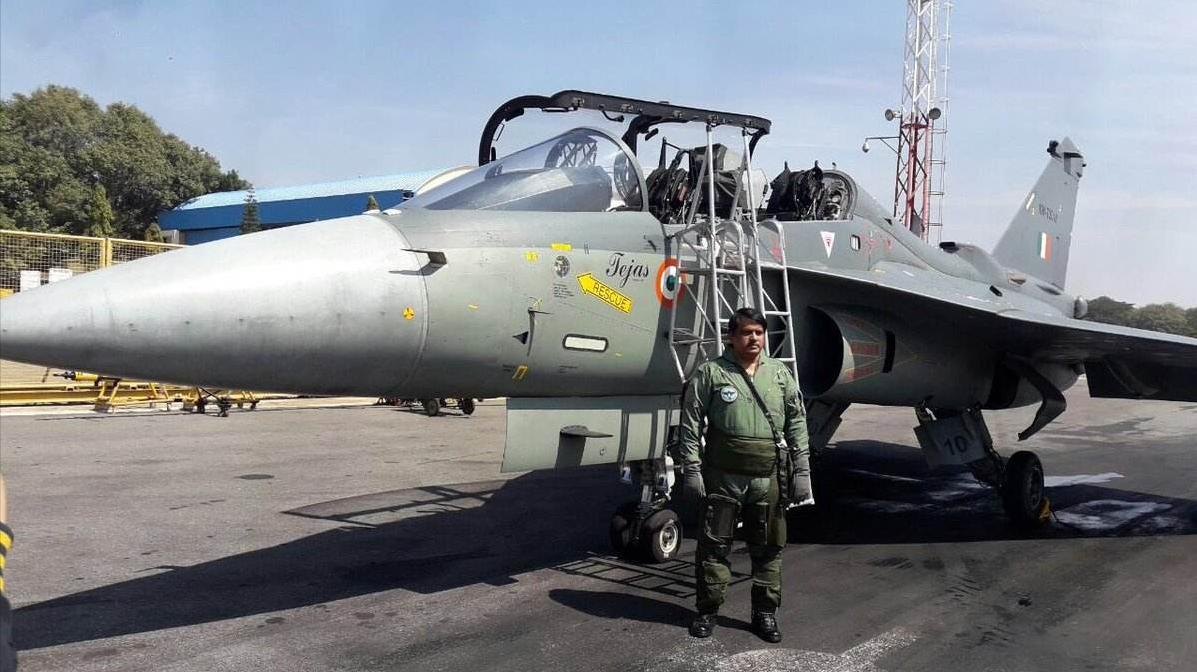 """印度LCA战斗机性能确实比""""枭龙""""先进,但是战力远不如后者"""
