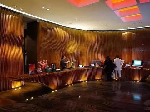 外滩英迪格酒店推出五星自助餐,最新价格曝光,网友:天地良心
