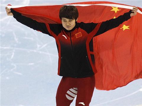 她是中国滑冰一姐,四次夺冠三次被开除,如今却成了国家队教练!