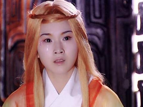 《宝莲灯》四公主洛葳 ,造型有点杀马特,染回黑发后成干练女神