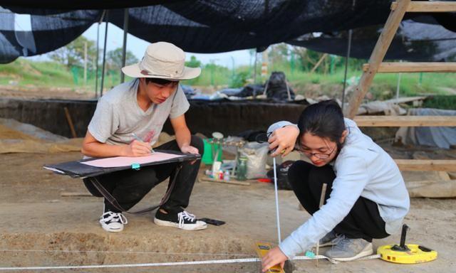 """浙江考古人的""""五四""""宣言:考古让青春在田野中绽放"""