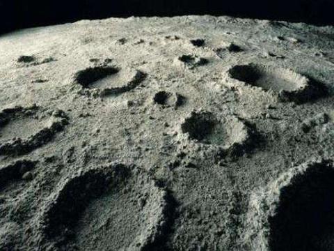 月球上有那么多的撞击坑,为何只有坑,却没有陨石的痕迹