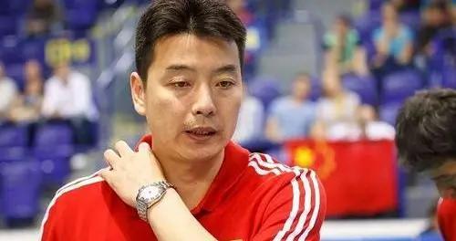 他是中国排坛的索科洛娃,每个位置都驾轻就熟,还率队夺亚洲冠军