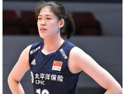 李盈莹与刘晓彤、刘晏含相比,谁的能力更强,在国家队的地位高?
