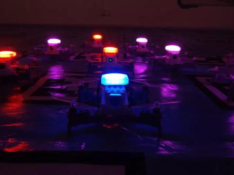 创客火首发无人机编队飞行套装,开启不一样的人工智能教育
