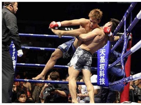 他是中国最帅拳王,名气不输邹市明,妻子美过林志玲