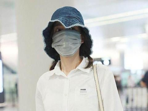 36岁吴昕玩反季节穿搭,T恤外套海马毛捂得超严实,看着都好热