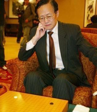 中国棋王:头婚妻子是高官,二婚娶保姆,生育3儿子,去世时68岁