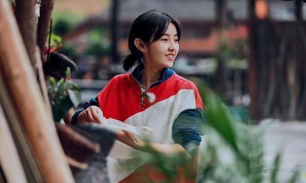 张子枫抽空艺考,以196高分取得河南省第一名,国民妹妹果然优秀