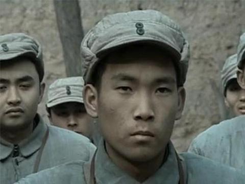 《亮剑》凭啥徐志耕能挂2个王八盒子?李云龙的一道军令起作用了