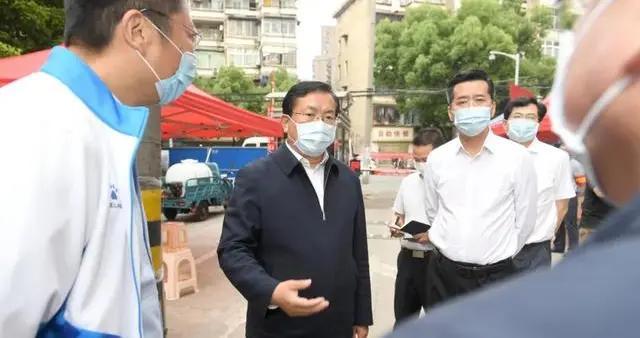 王忠林检查武汉三民小区防控工作:深刻汲取教训,人命关天的事决不能慢慢悠悠
