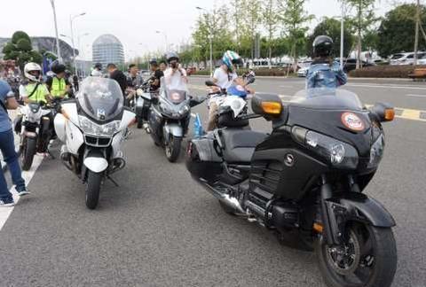 禁摩令迎来好消息,多地实施两个新政策,骑摩托车的有福了