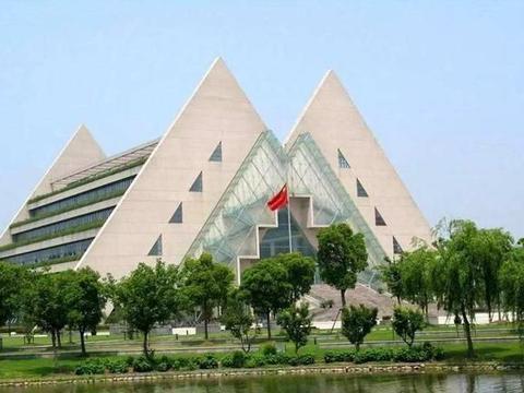 2020软科中国大学排名出炉,上海工程技术大学排名第198名!