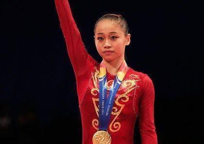中国体操世界冠军,拥有稀有姓氏,退役后变女神范