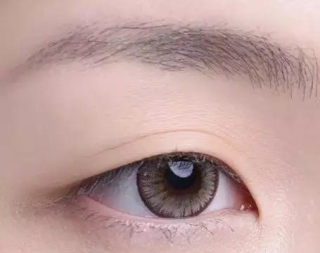 内双肿眼泡的眼妆画法,新技能get