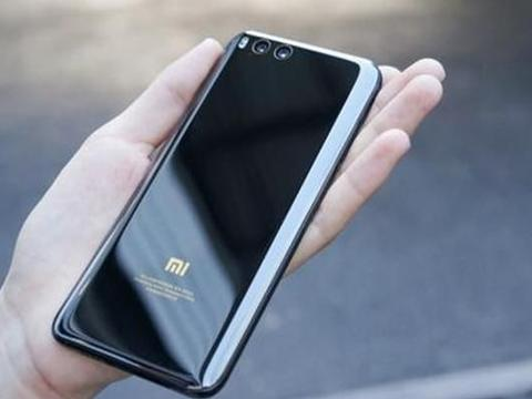 小米彻底爆发,骁龙835+6G运行仅770元,还买啥荣耀9X