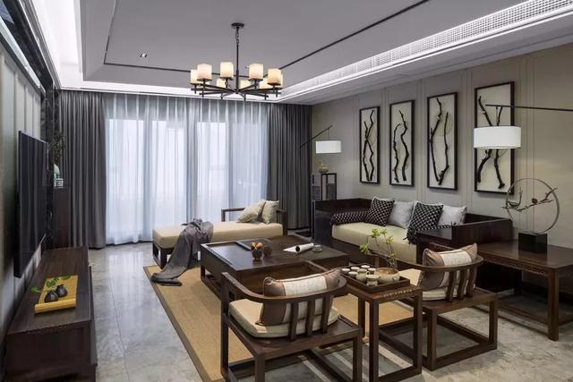 实木沙发端庄大气 如果你喜欢这种优雅 你可以把它放在客厅里