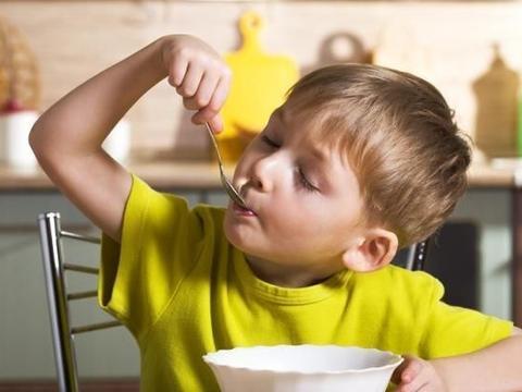 孩子懒、不爱做家务,与家庭教育关系很大