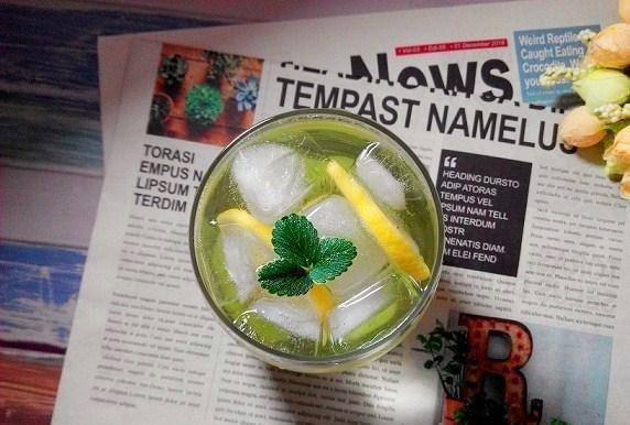 夏日饮品自己做:猕猴桃柠檬苏打水冰爽好喝做法超简单!