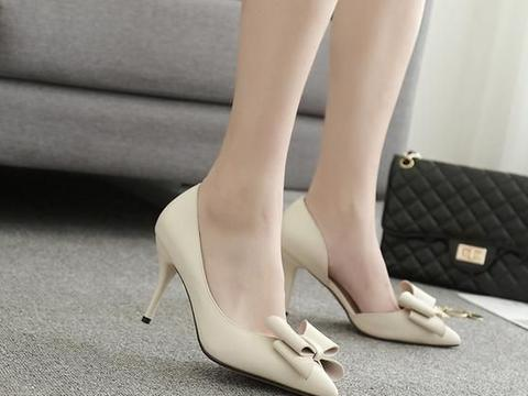 高跟鞋配裙子还是裤子好看,我说浅口高跟鞋还是配裙子好