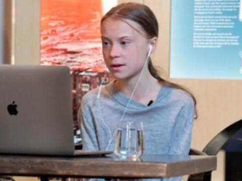 """瑞典环保少女秒变""""新冠专家""""上节目,网友:小丑也配当专家?"""