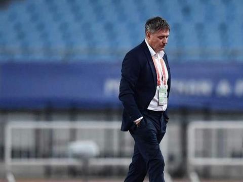 斯帅离队+新赛季赛程缩水+分组遇强敌 富力漂亮足球遇考验